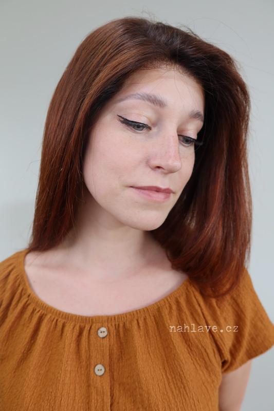 Tmavě zrzavá paruka z pravých vlasů